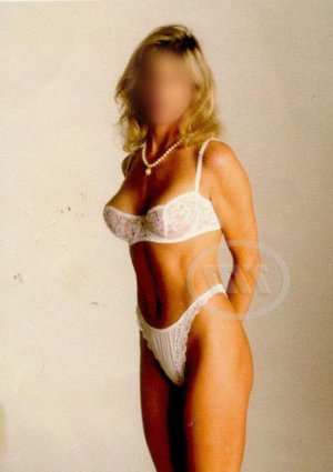 Saja adult dating in Dunwoody