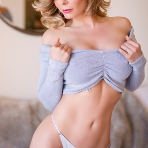 Iadine sex dating in Rancho San Diego CA